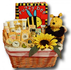 Burt's Bees makes healthy and natural gift baskets for mom and baby